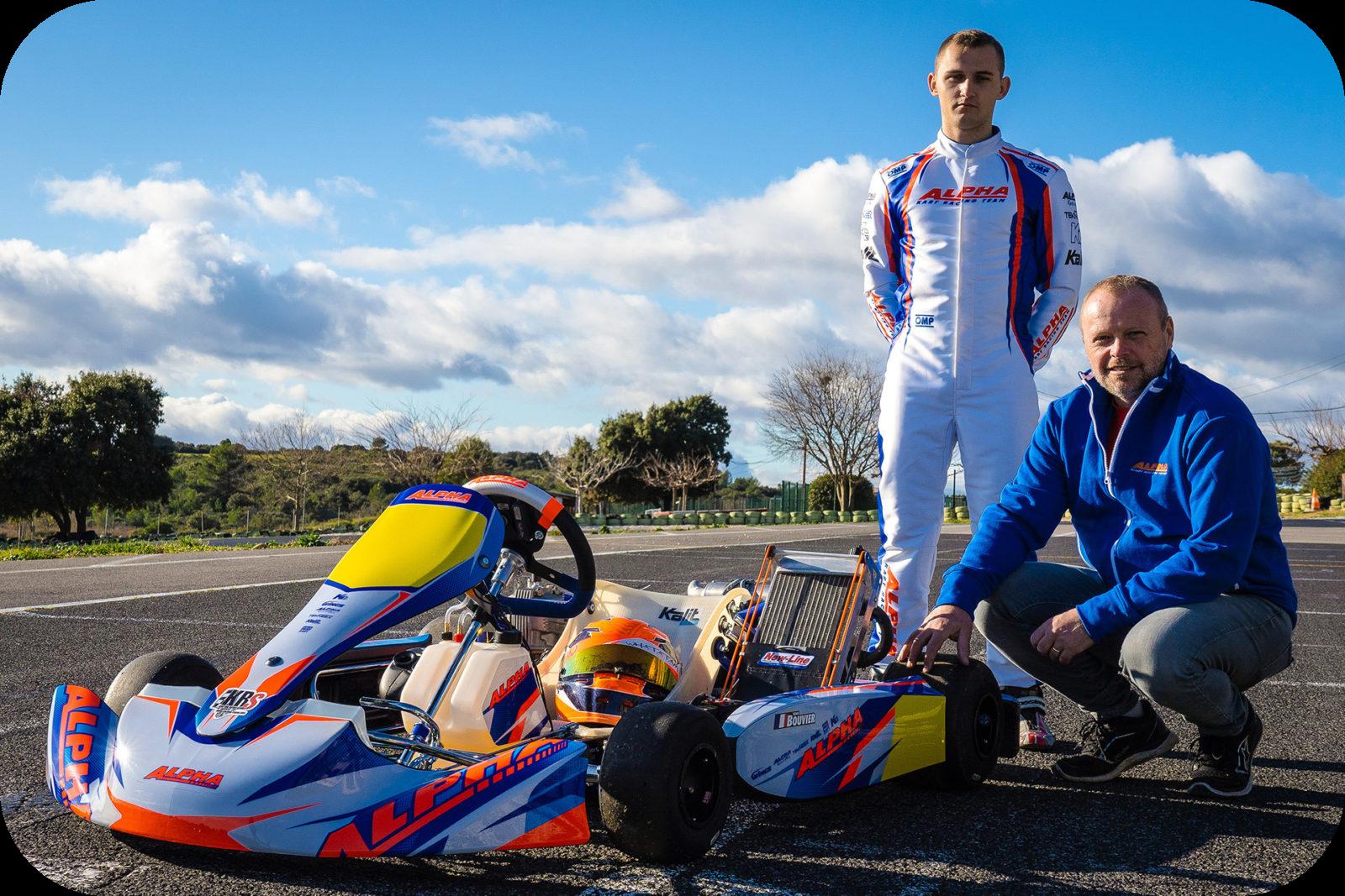 Yann et David Bouvier aux côtés d'un châssis Alpha Karting