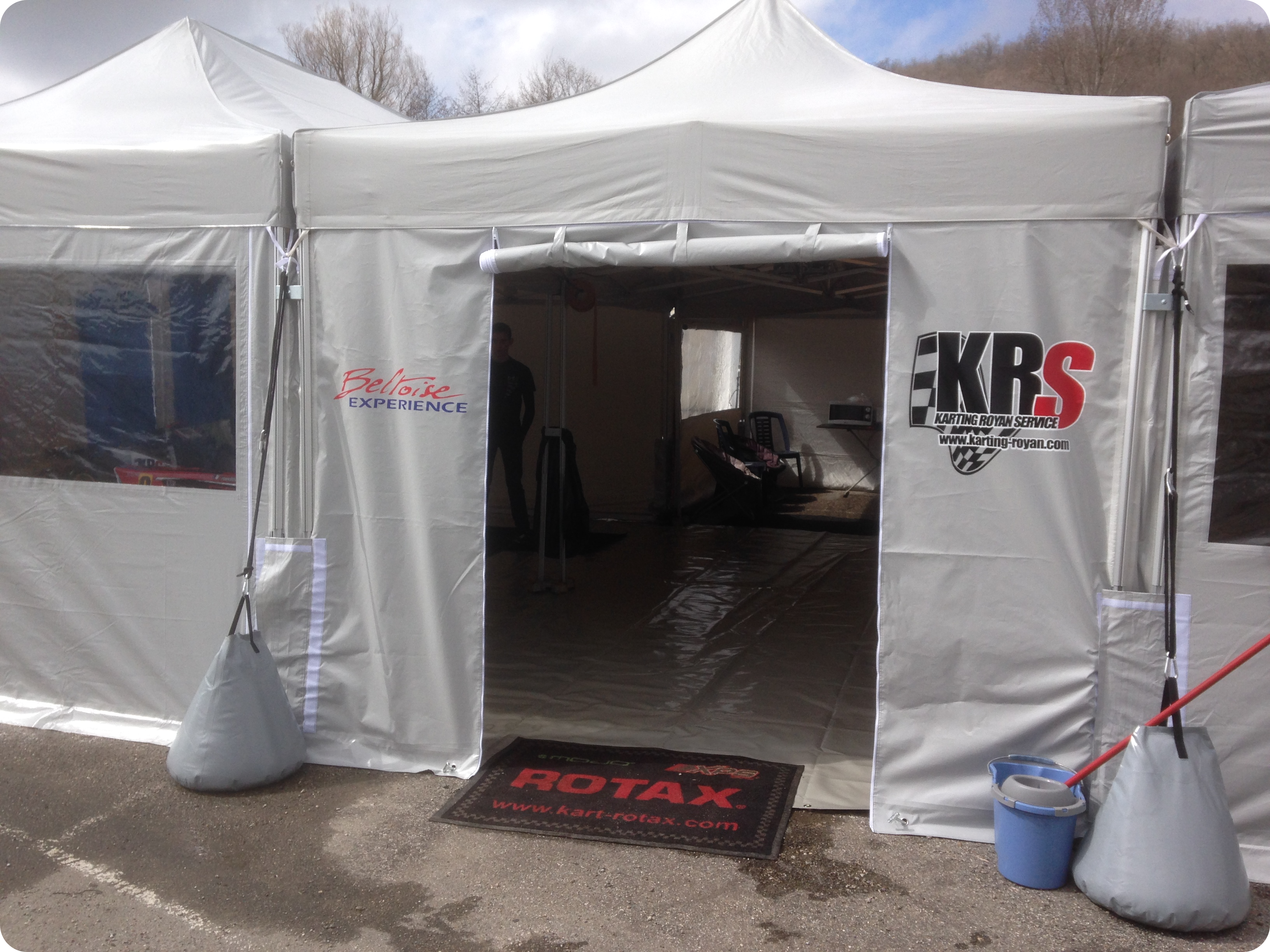 structure extérieure de course karting royan services